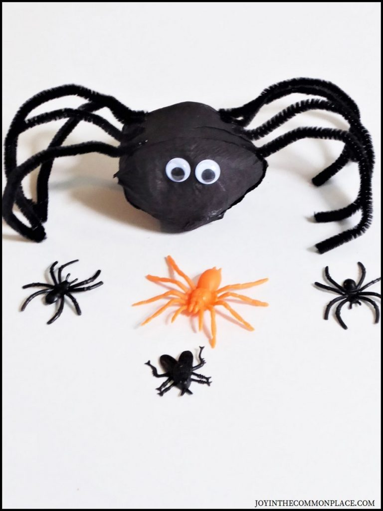 DIY Spider Surprise Ball For Halloween