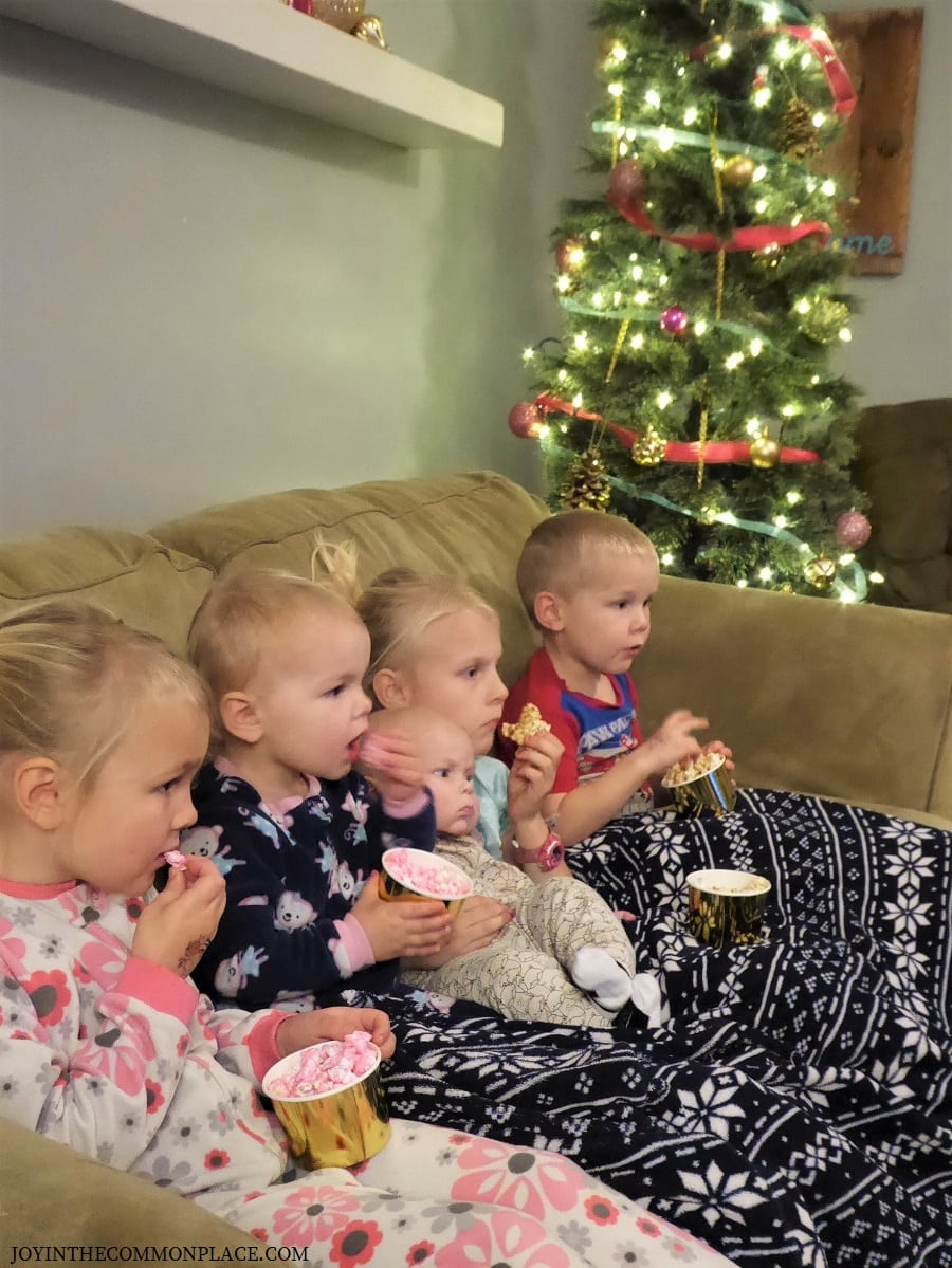 Whoville Themed Movie Night and Popcorn Bar