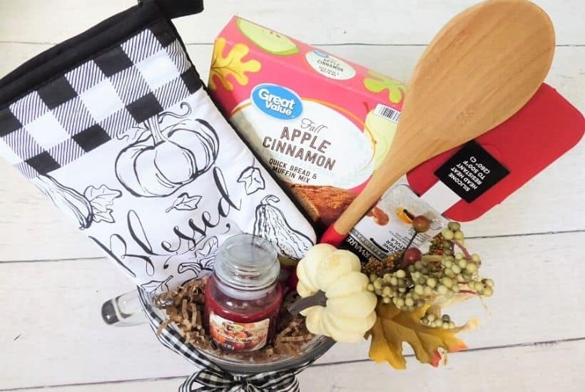 Fall Baking Themed Gift Feature