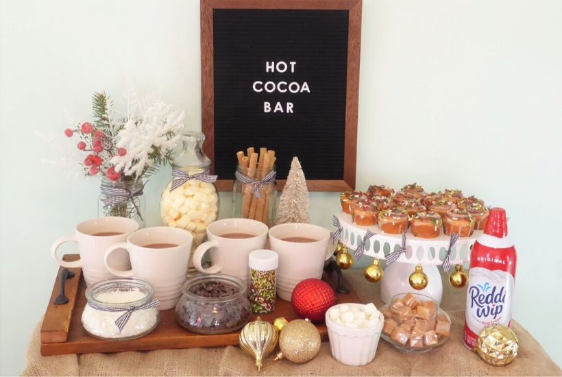 DIY Christmas Hot Cocoa Bar Feature