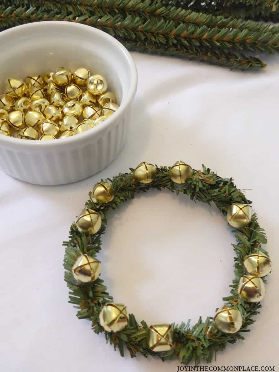 DIY Mini Christmas Wreath Ideas for Kids