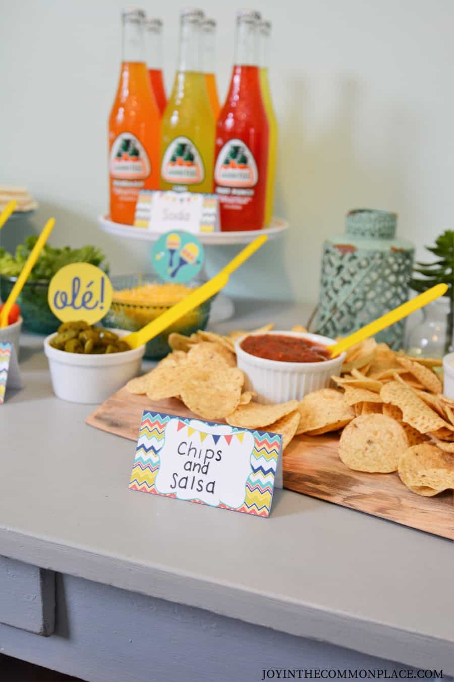 How to Set Up a Simple Taco Bar!