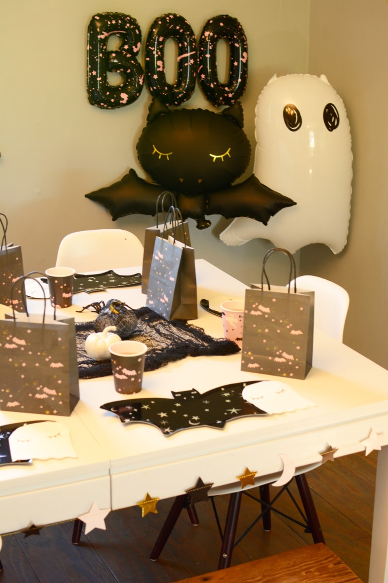 Not So Spooky Kids' Halloween Tablescape