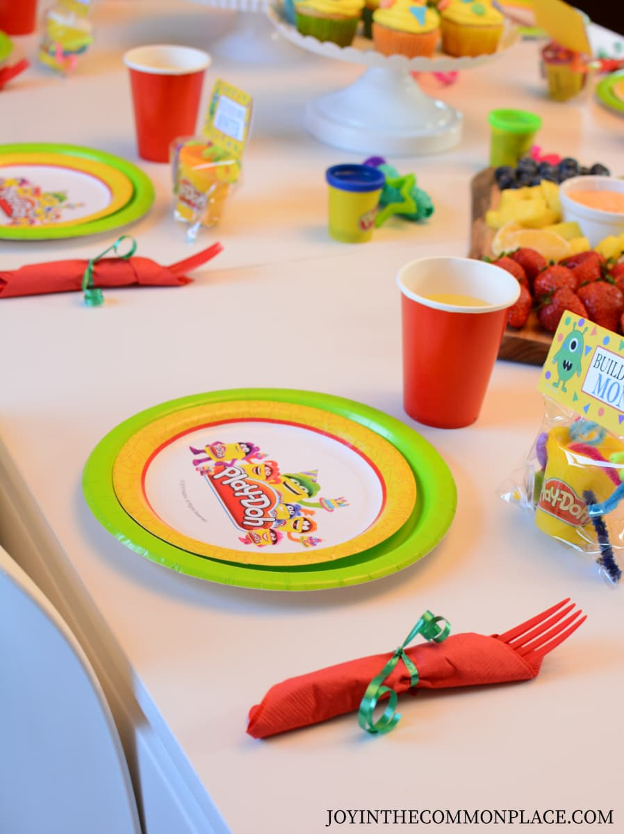 Host a Play-Doh Themed Play Date for Kids!